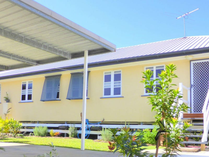 17A Collins Street, Woody Point, Qld 4019