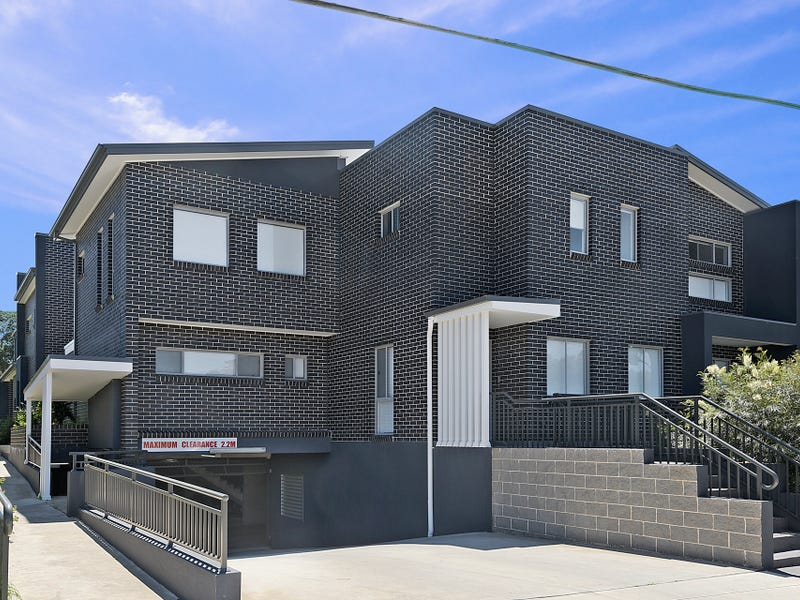 4/9 Sabre Crescent, Holsworthy, NSW 2173