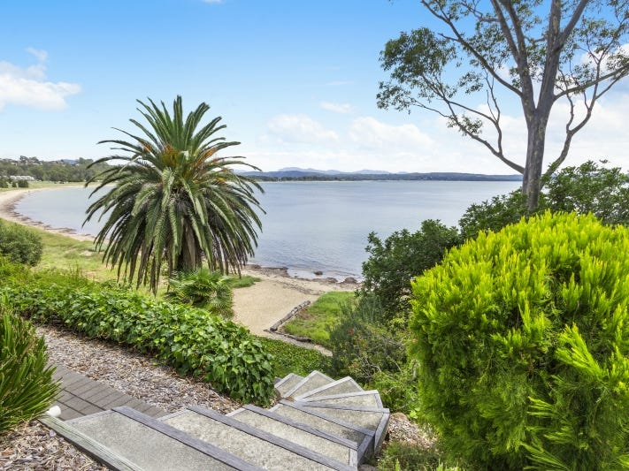 1b Observation Avenue, Batehaven, NSW 2536