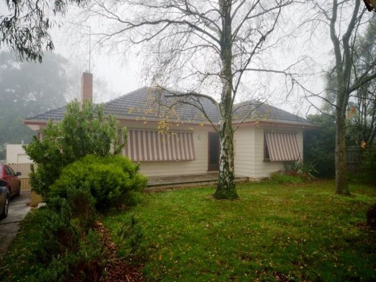 10 Rathkeale Avenue, Mount Helen, Vic 3350