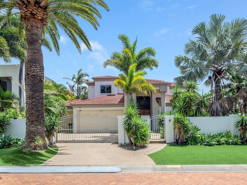 27 KING CHARLES DR, Sovereign Islands, Qld 4216