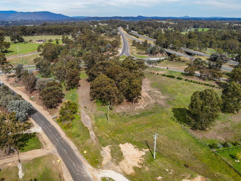 8 MANSE HILL ROAD, Seymour, Vic 3660