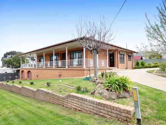 39 Bolton St, Junee, NSW 2663