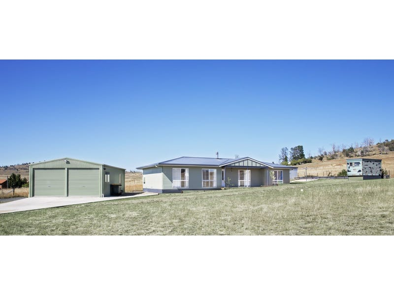 42 Roberson St, Berridale, NSW 2628