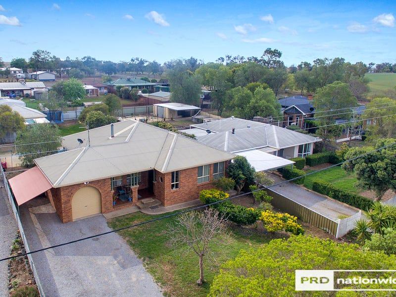37 Railway Ave, Duri, NSW 2344
