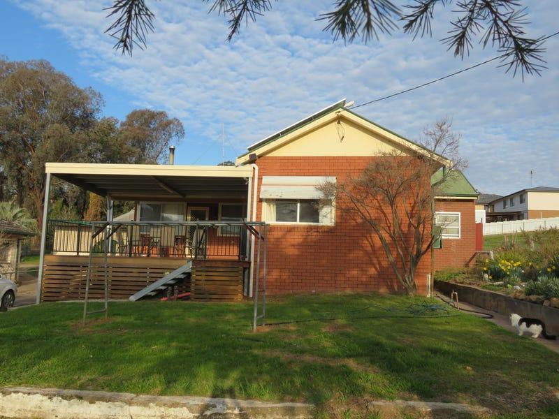 54 Mount Street, Gundagai, NSW 2722