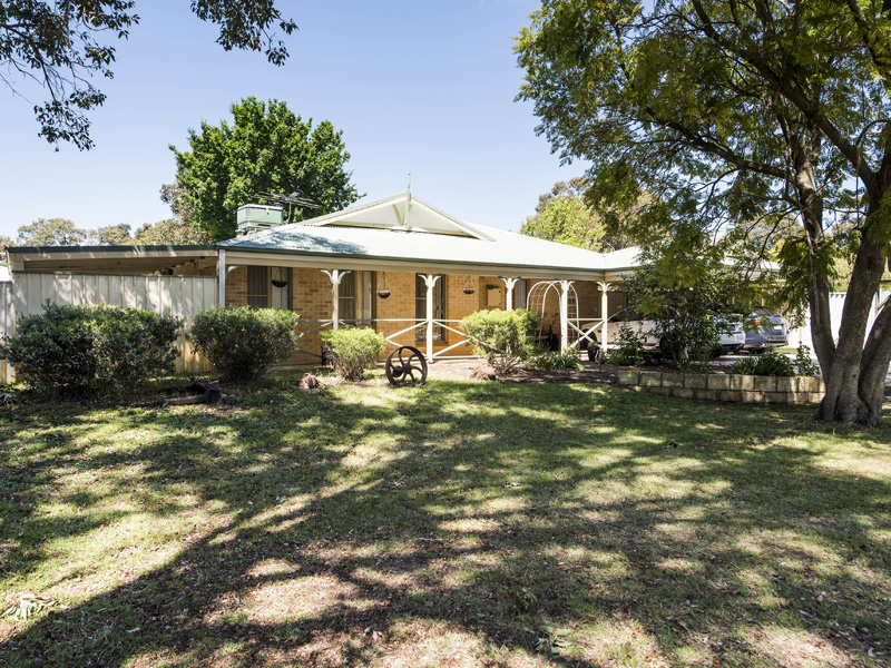 1 Blue Wren Close, Serpentine, WA 6125