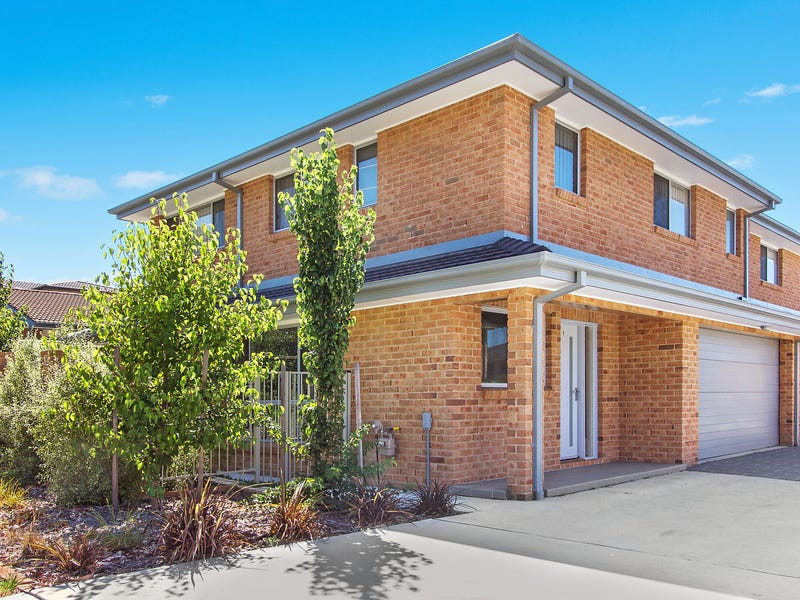 1/12 Mulloon Street, Queanbeyan East, NSW 2620