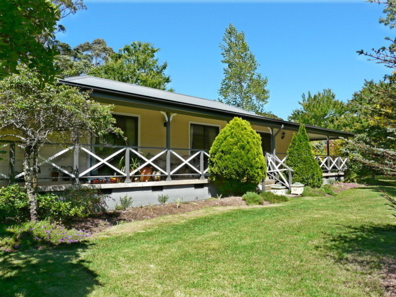 387 Cloonty Road, Carrington Falls, NSW 2577