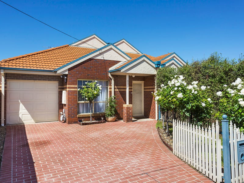 17 Ronald Grove, Keilor East, Vic 3033