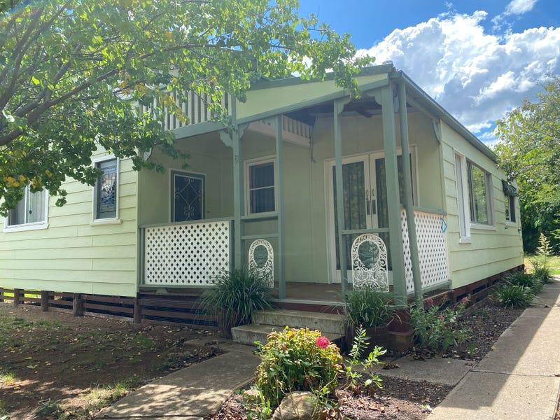8 Charles Street, Coolah, NSW 2843