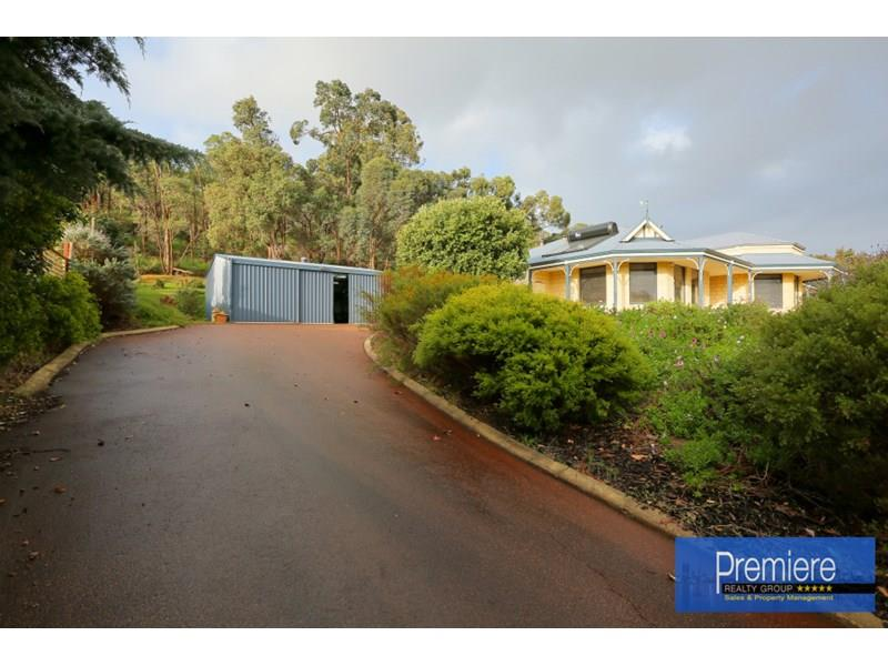 6 Crossing View, Byford