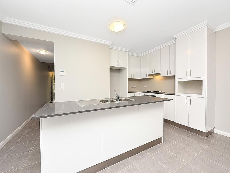 39 Purvis Avenue, Potts Hill, NSW 2143