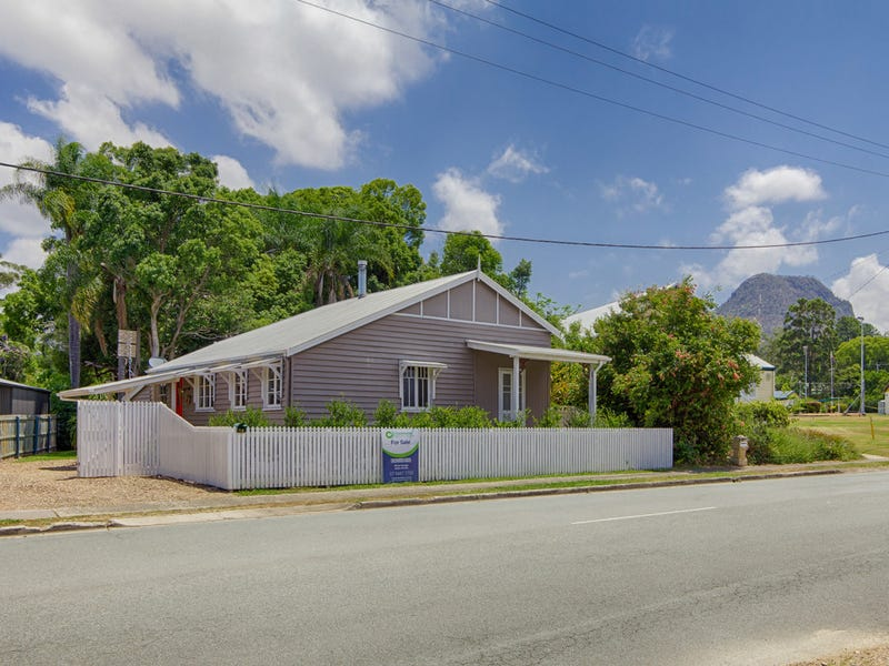 11 Station Street, Pomona, Qld 4568