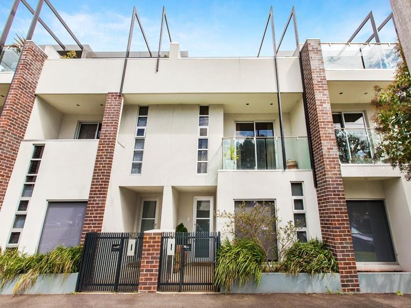 20 IFFLA STREET, South Melbourne, Vic 3205
