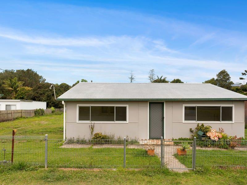 14 Lourdes Avenue, Urunga, NSW 2455