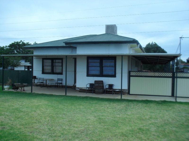 1 Binya St, Whitton, NSW 2705