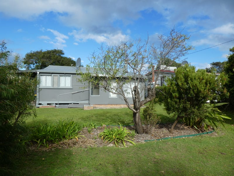 6 Second Ave, Peaceful Bay, WA 6333