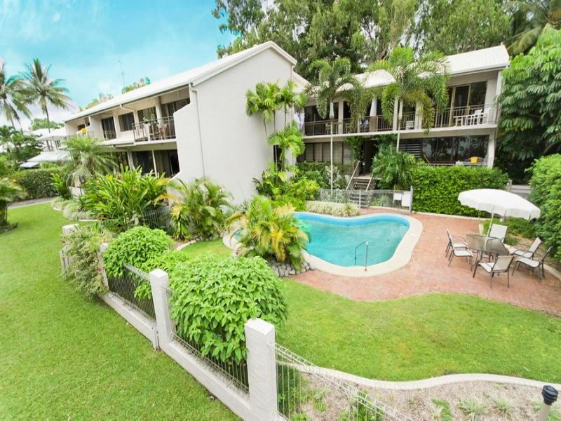 2/101 Arlington Esp, Clifton Beach, Qld 4879