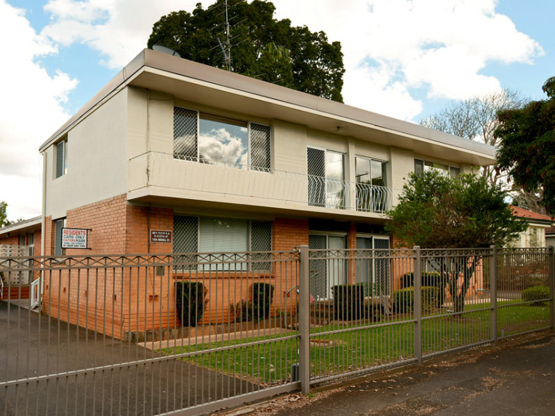 10/122a Russell Street, Toowoomba City, Qld 4350