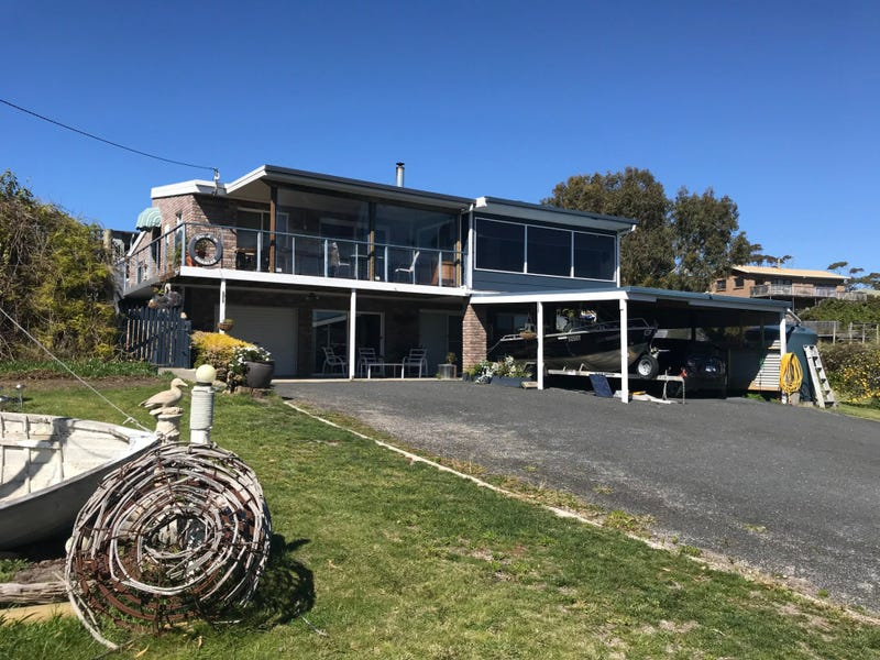 16 Beven Heights, Binalong Bay, Tas 7216