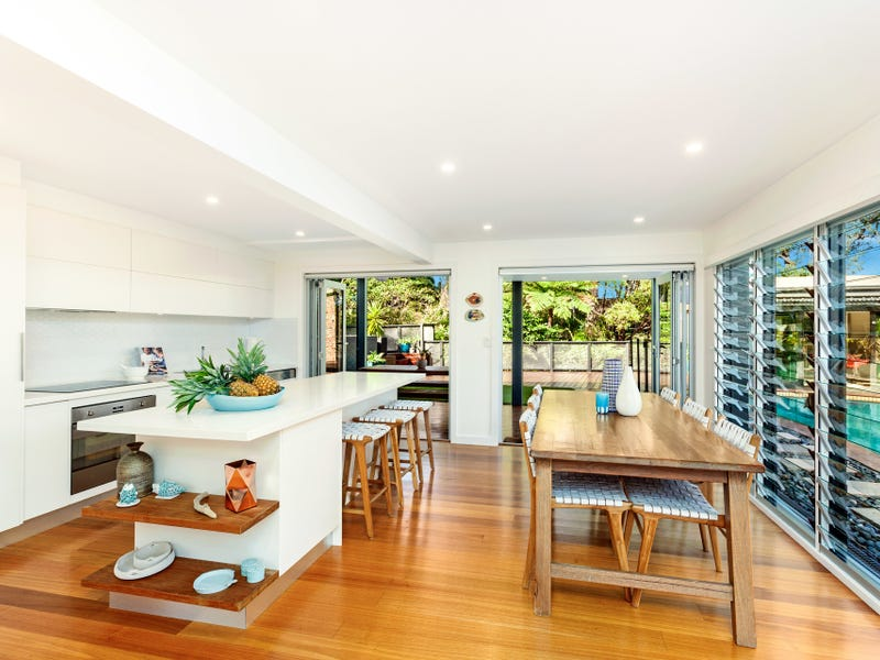 11 Hazel Crescent, Thirroul, NSW 2515