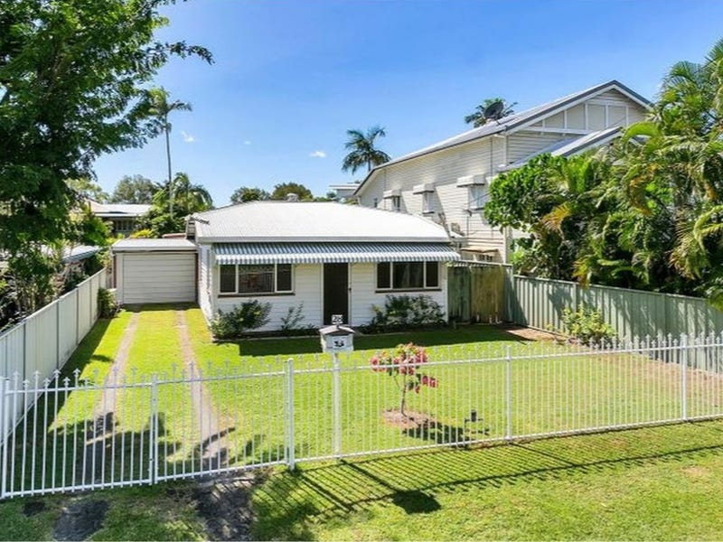 28 Ascot Avenue, Westcourt, Qld 4870