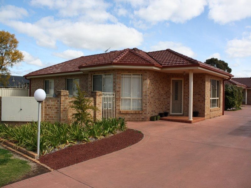 2/156-158 Merrigal Street, Griffith, NSW 2680