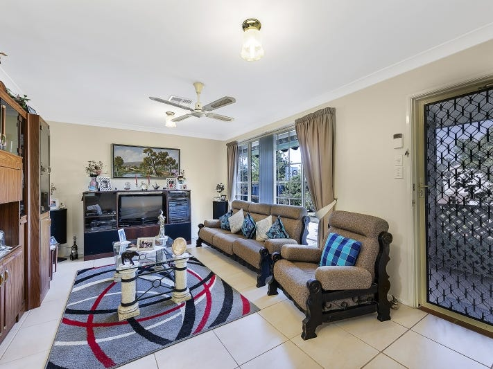 25 Castlereagh Crescent, Bateau Bay, NSW 2261