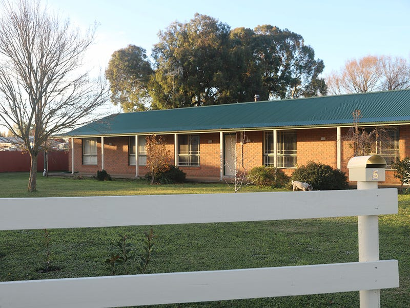 5 Robertson Lane, Crookwell, NSW 2583