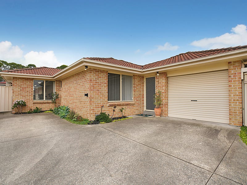 2/28 Country Grove Drive, Cameron Park, NSW 2285