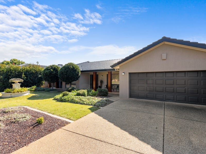 12 Coventry Place, Lake Albert, NSW 2650
