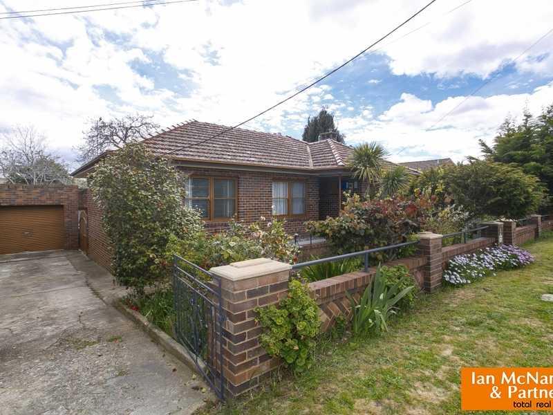 11 Charles Street, Queanbeyan, NSW 2620
