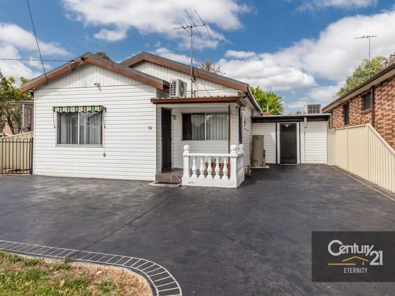 19 Barangaroo Road, Toongabbie, NSW 2146