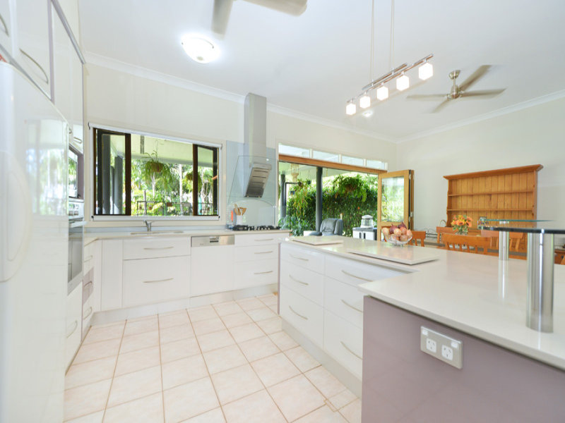 18-20 Pelizzari Cl, Redlynch, Qld 4870