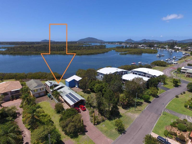 82 Port Stephens Street, Tea Gardens, NSW 2324