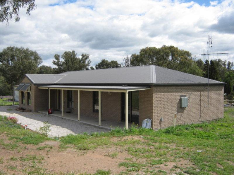 394 CYPRESS DRIVE, Yarrawonga, NSW 2850