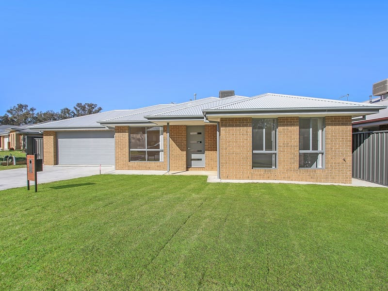 8 Weissel Court, Thurgoona, NSW 2640