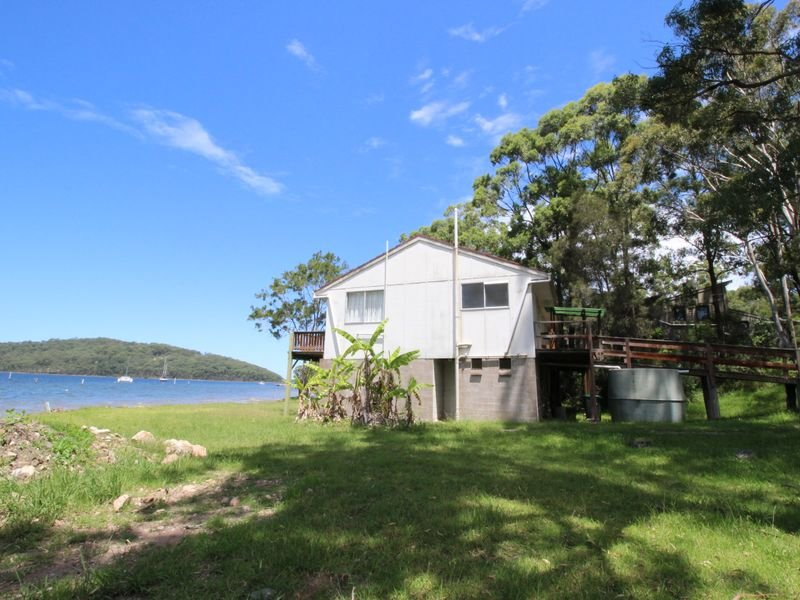 52 Cove Boulevard, North Arm Cove, NSW 2324