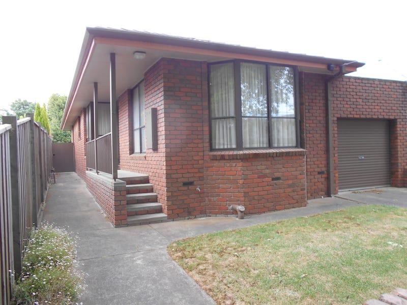 4 Gnarr Street, Lake Wendouree, Vic 3350