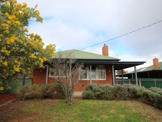 82 Fernleigh Road, Mount Austin, NSW 2650