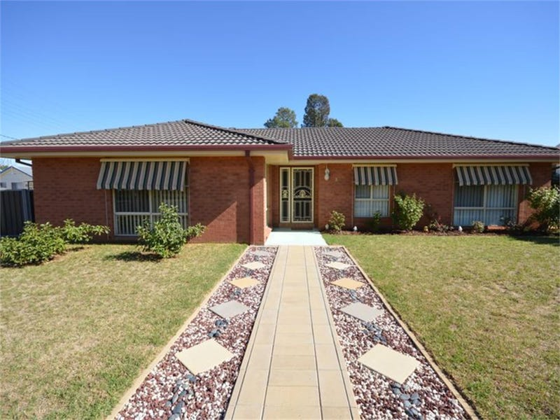 26 Fitzroy Ave, Cowra, NSW 2794