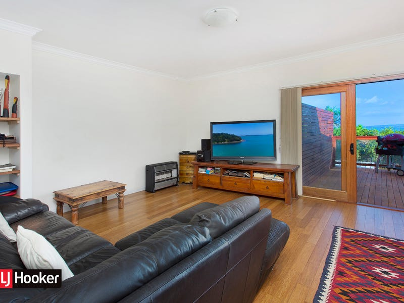 65 Grand View Parade, Lake Heights, NSW 2502
