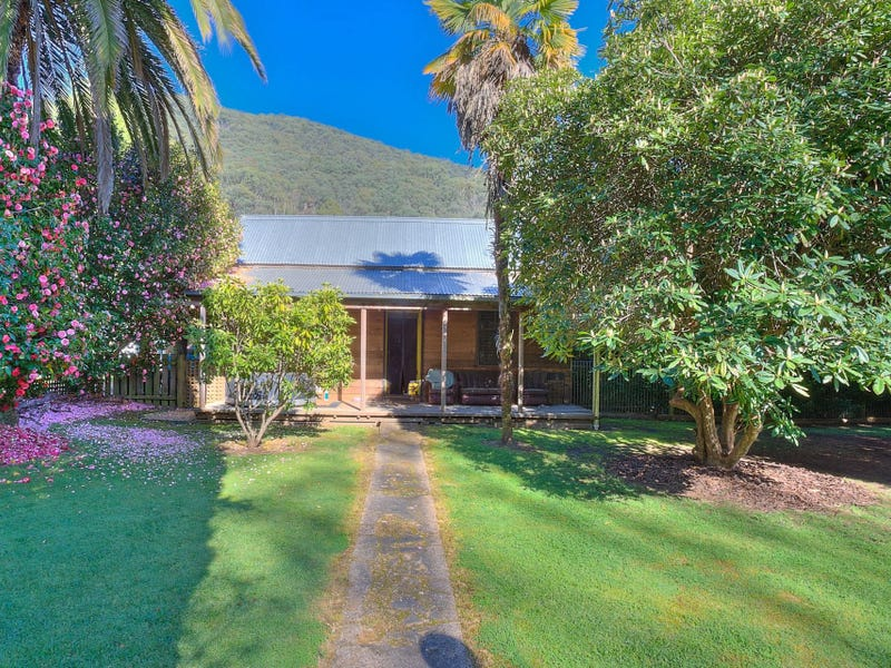 94 Great Alpine Road, Harrietville, Vic 3741