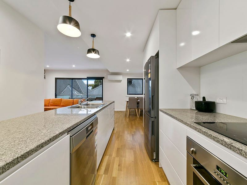 2/212 Collins Street, Hobart, Tas 7000