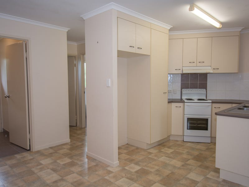 15 Wilmington Road, Avenell Heights, Qld 4670