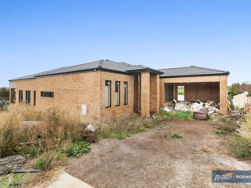 6 James Close, Kilmore, Vic 3764