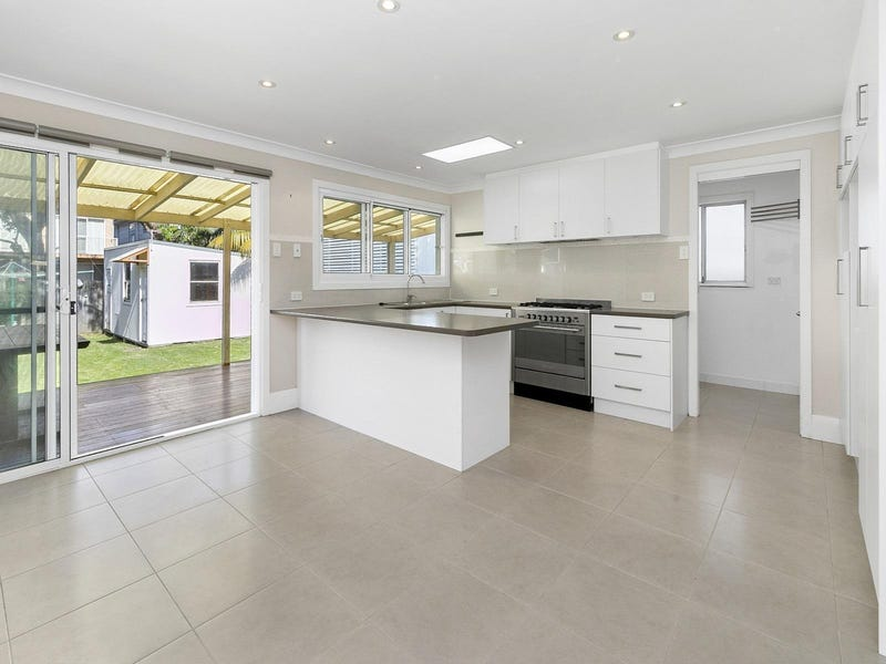 37 Griffin Road, North Curl Curl, NSW 2099