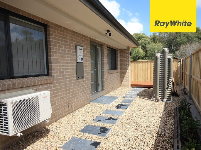 17a Mahoney Drive, Campbelltown, NSW 2560