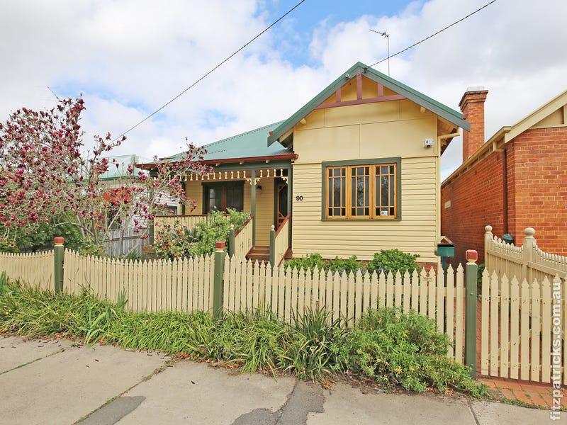 90 Thorne Street, Wagga Wagga, NSW 2650